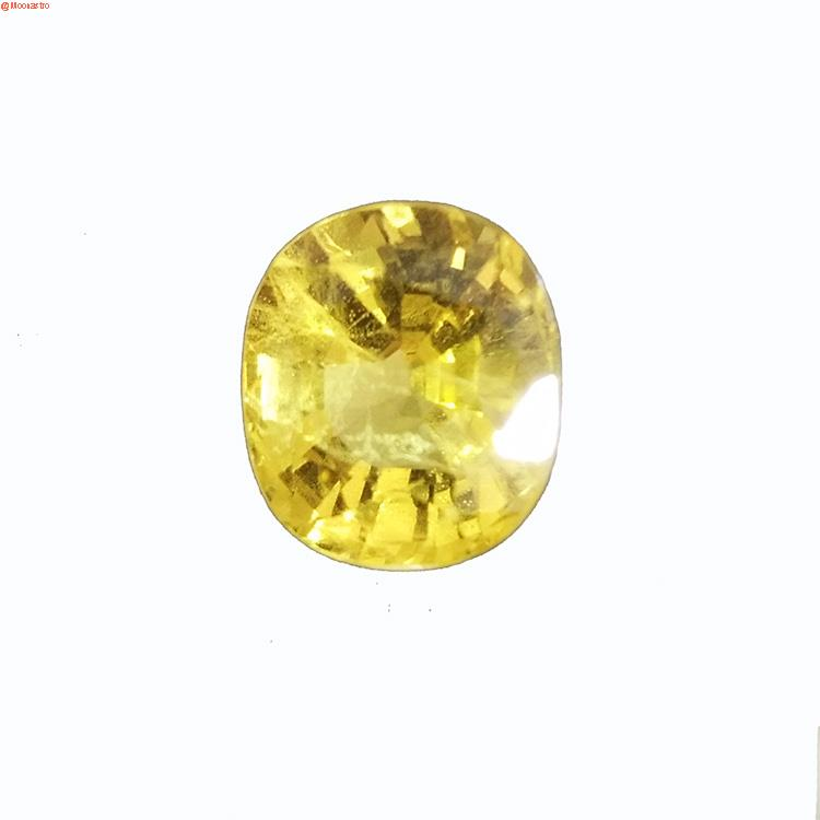 Yellow Sapphire – Pukhraj (Bangkok) Medium Size Super Premium